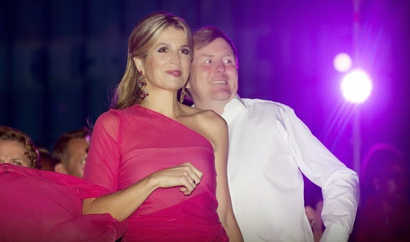 Queen Maxima And King Willem-Alexander Visits Musical Soldaat At Aruba