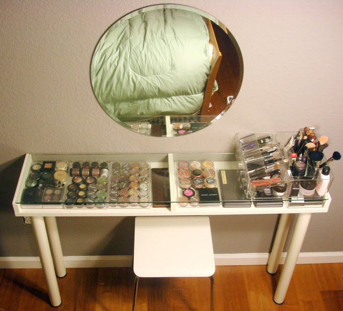 DIY Vanity Tables http://www.ikeahackers.net/2011/03/makeup-vanity-for-small-spaces.html