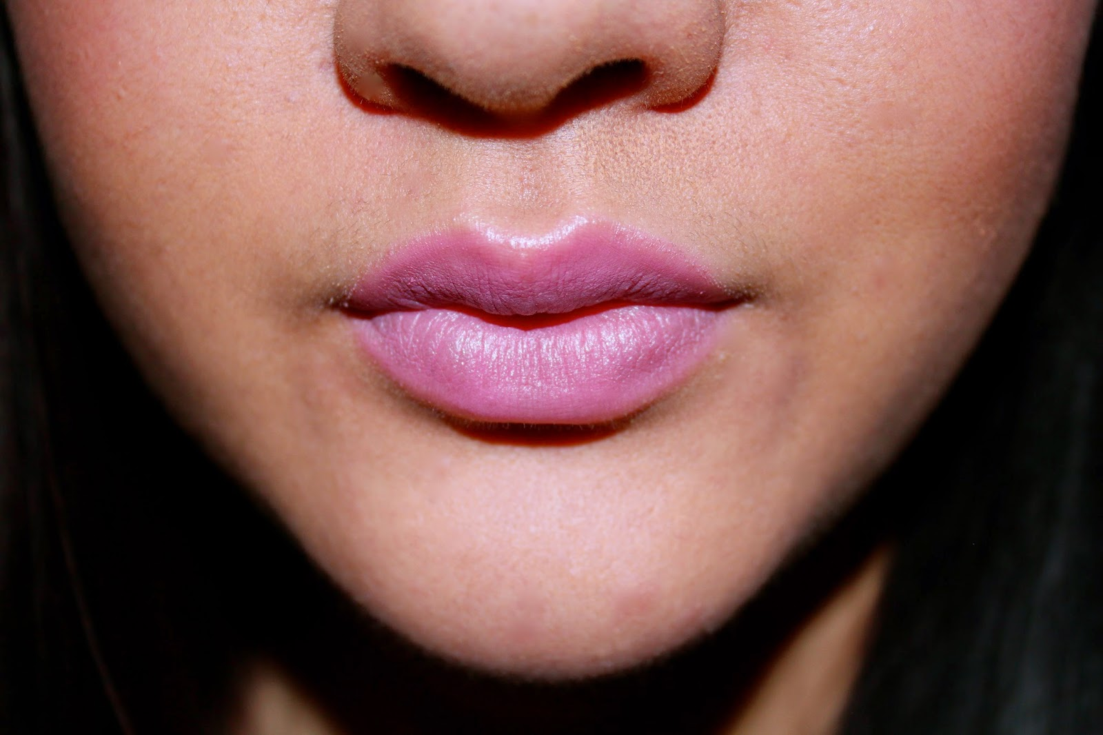 how to wear blue toned pink lipstick