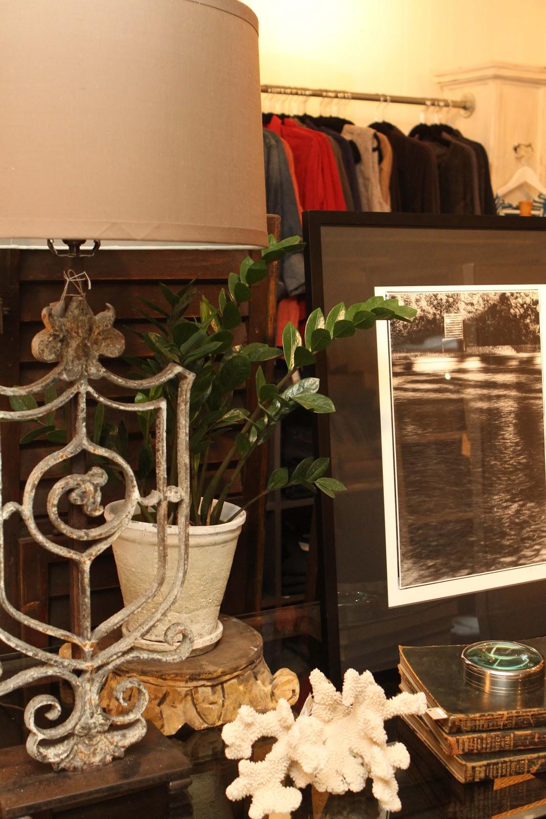 the willows home garden vignette design. Black Bedroom Furniture Sets. Home Design Ideas