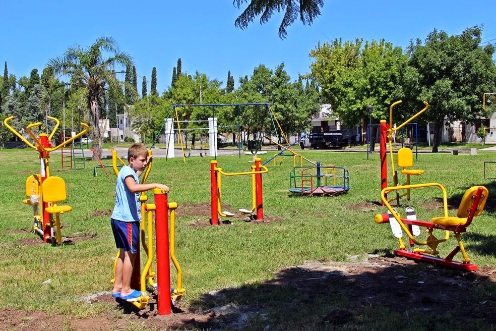 San Lzo.-El municipio avanza en el equipamiento de los espacios verdes de la ciudad