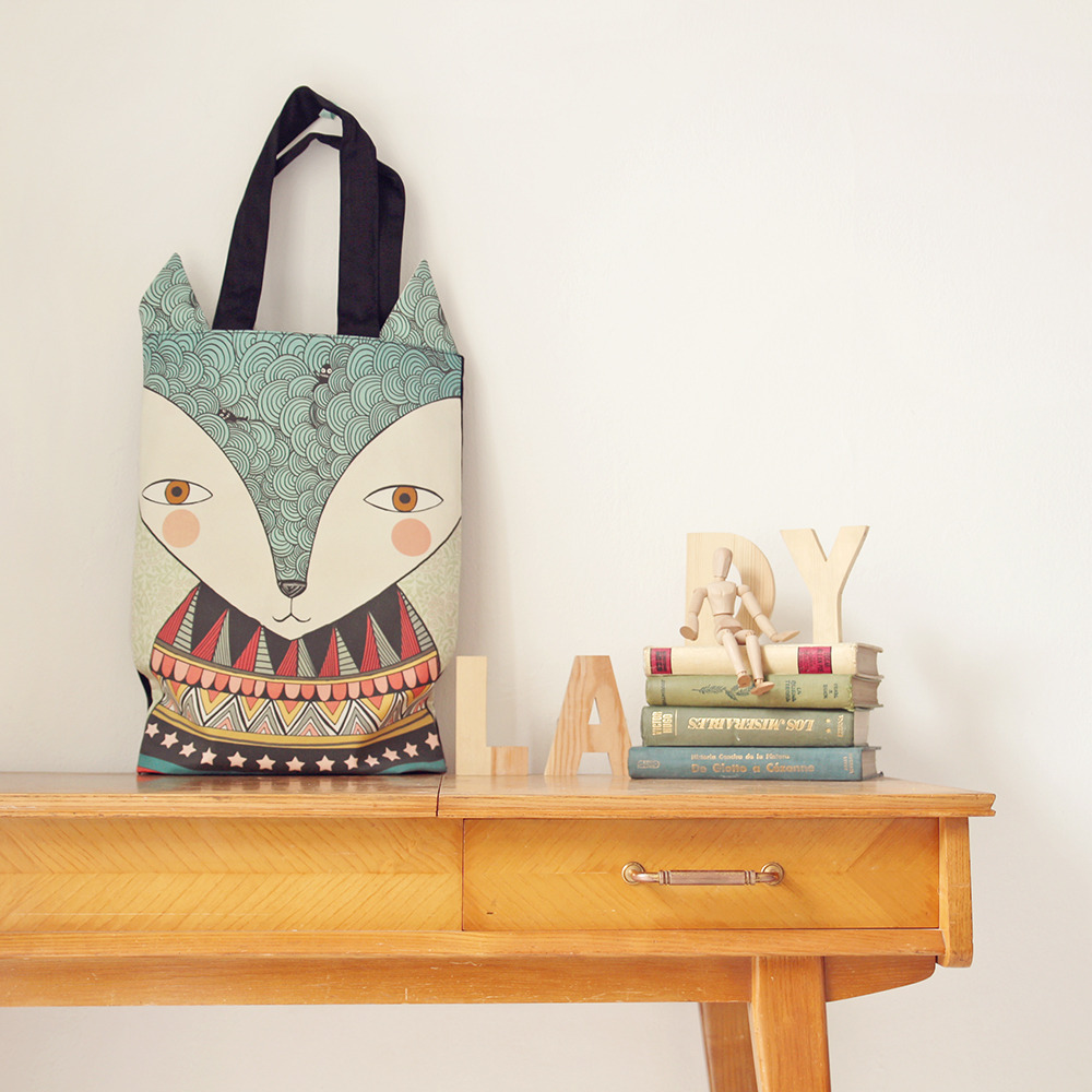 http://ladydesidiashop.bigcartel.com/product/bolso-mr-fox