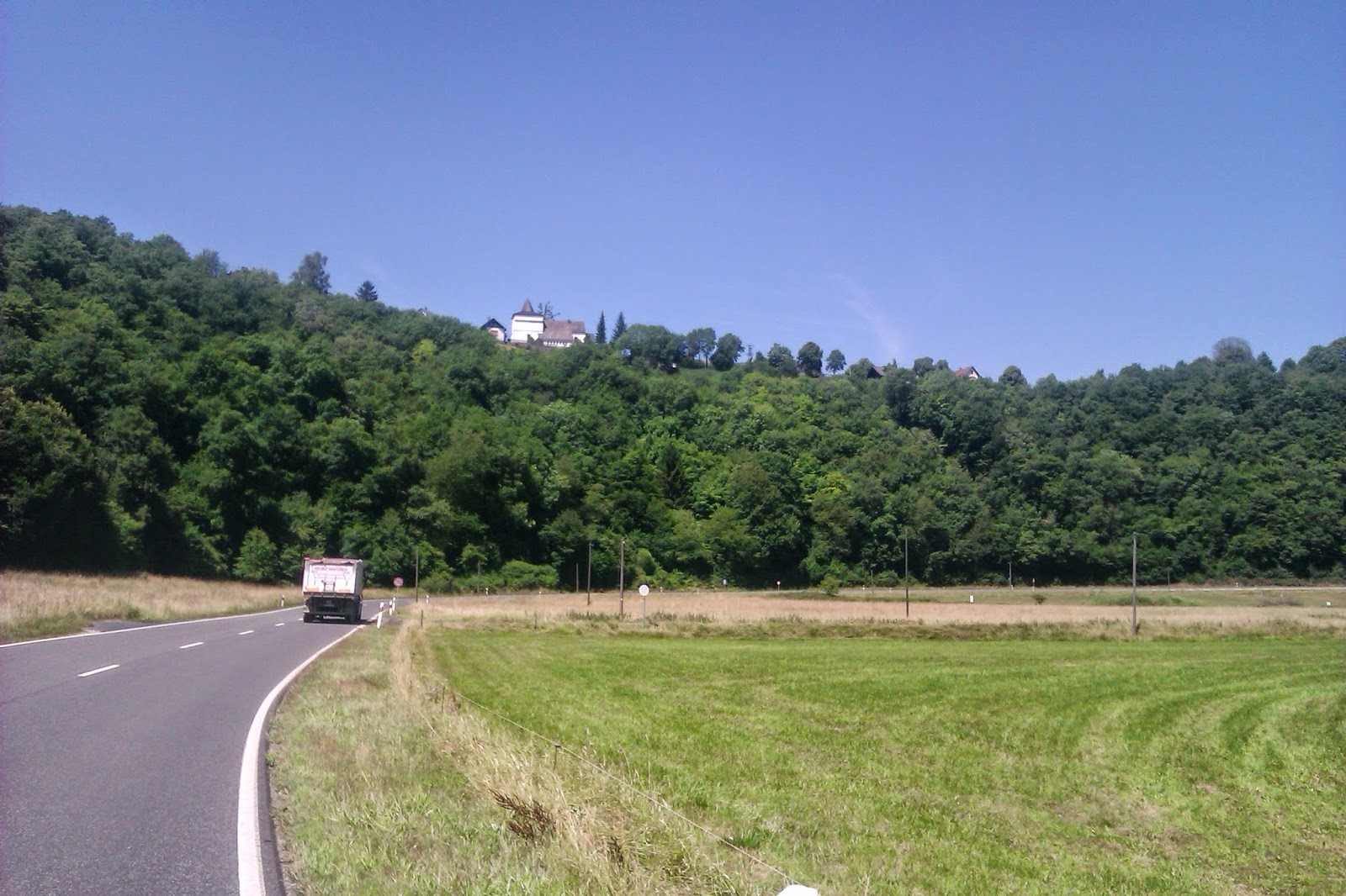 Photo of road nearby Müsch