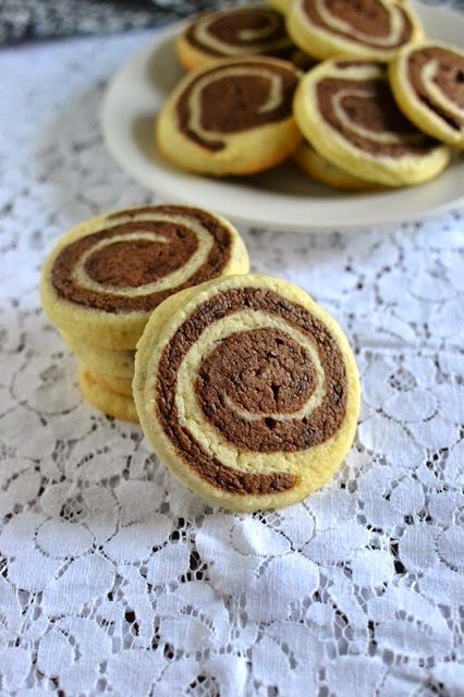 Pinwheel Cookies (Vanilla Chocolate Marbled or Pinwheel Cookies)