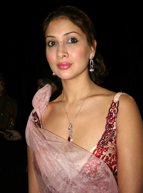 kim sharma nude hot