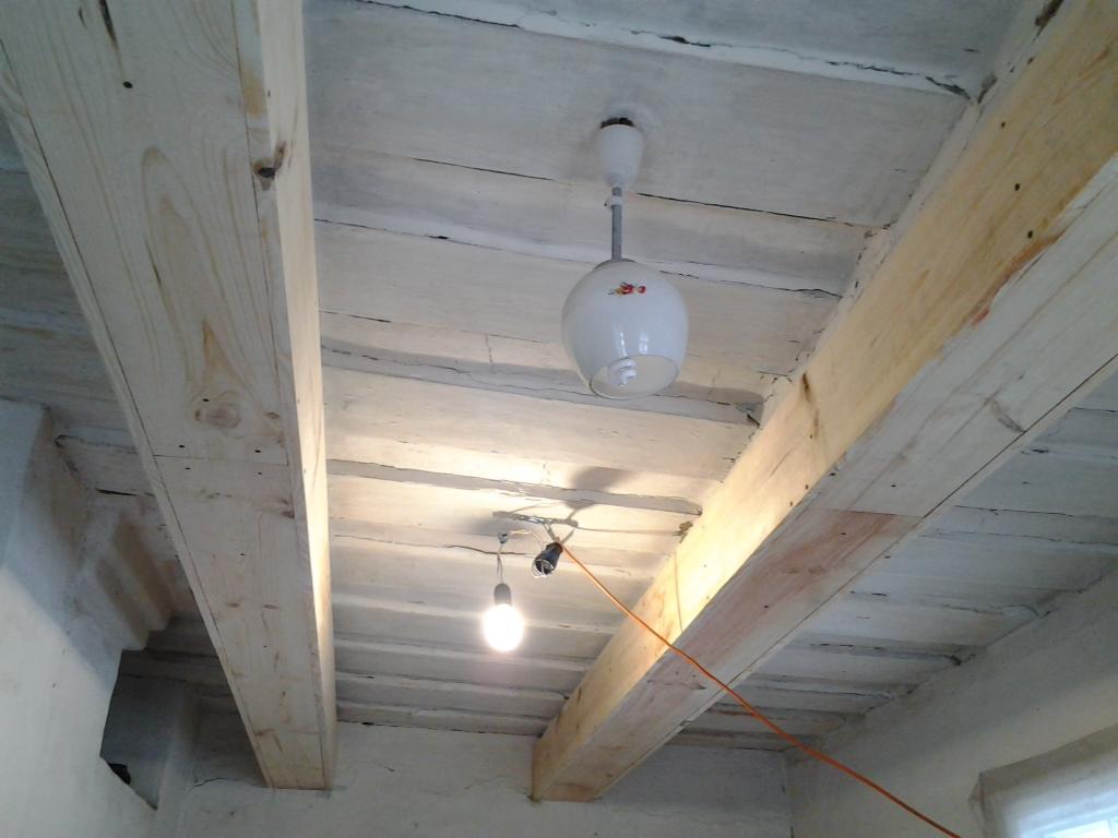 Как изготовить балку потолка дома