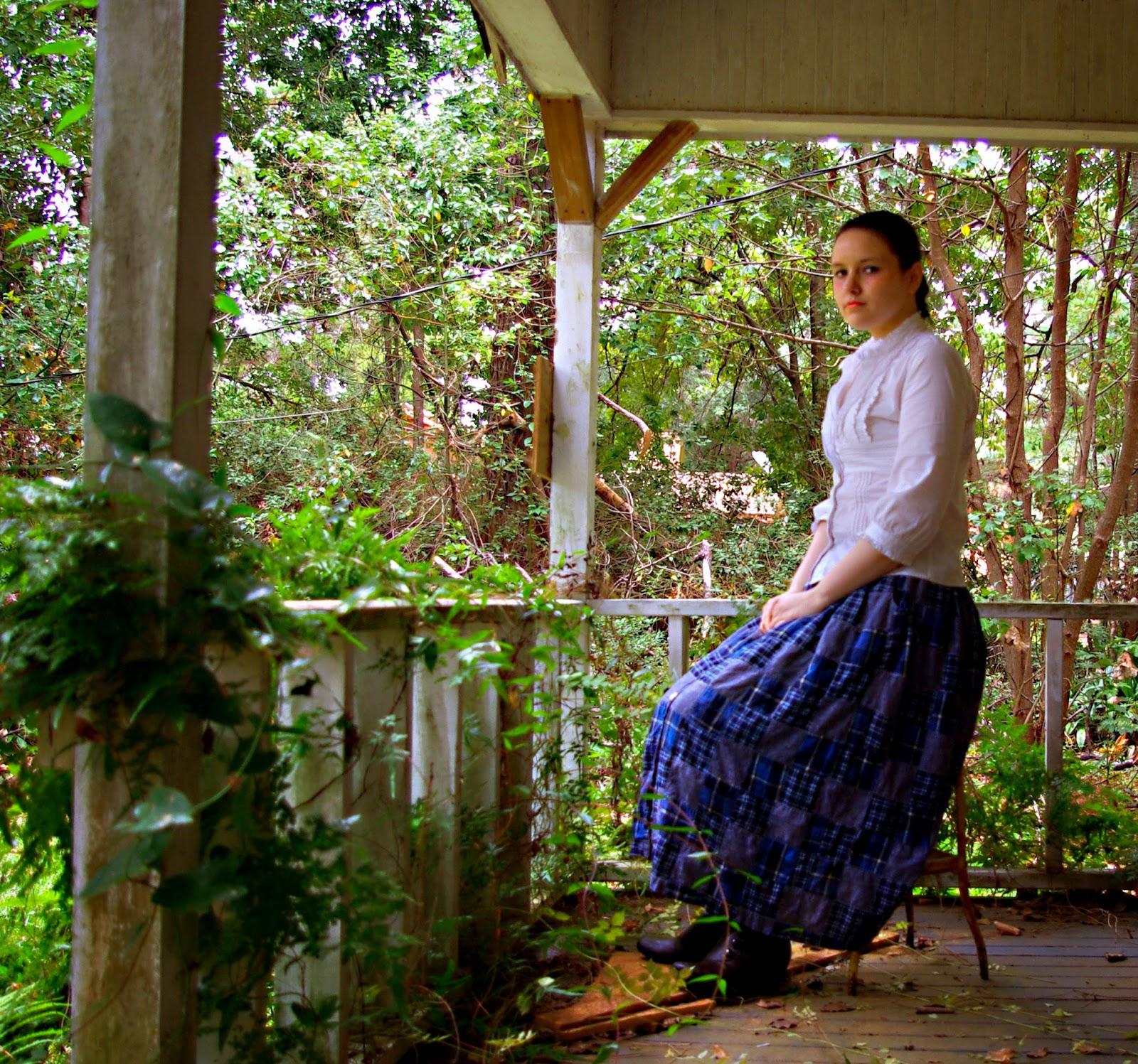 http://glitterglammandy.blogspot.com/2014/12/pintucks-and-ruffles.html
