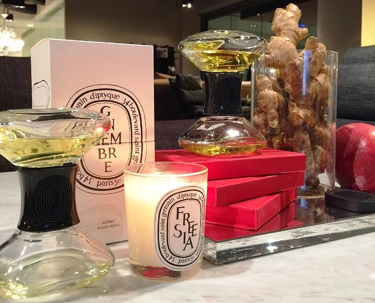 diptyque Home Fragrance Collection 2015, diptyque home fragrances, diptyque, hourglass, diptyque scented candles, diptyque scented ovals, diptyque room sprays,, Un Air de diptyque