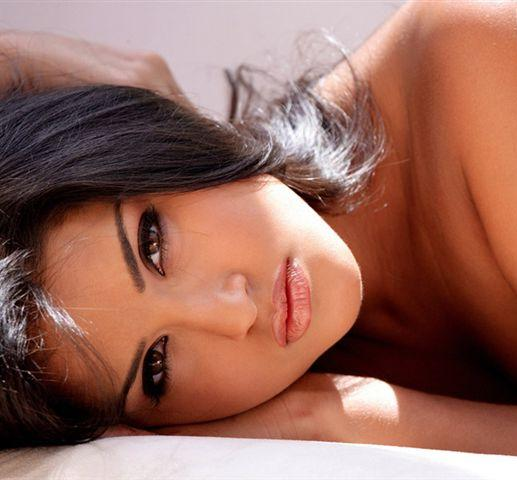 Sunny Leone Spicy Close-up photo