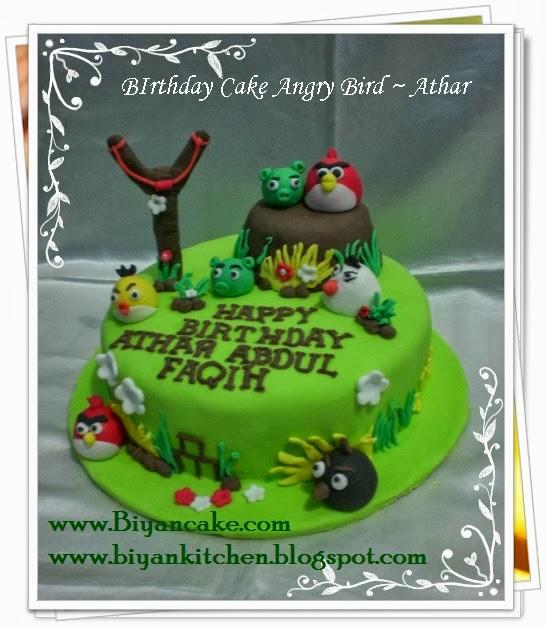 Pesan Kue tart kartun di bekasi : Kue tart Angry Bird ~ Athar