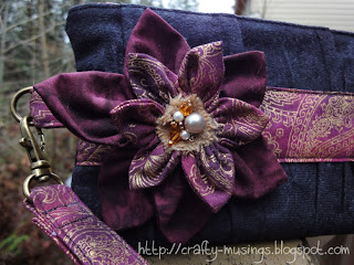 Noodlehead Gathered Clutch, flower pin detail