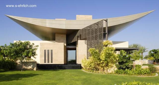 Enorme y original residencia posmoderna en Golfo Pérsico año 2008