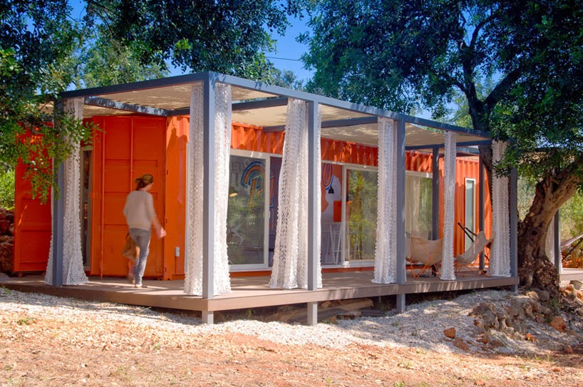 Sylk 39 s playground shipping container structures of 2013 for Architecture nomade
