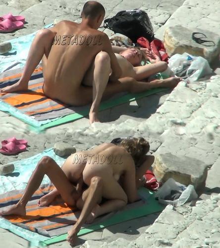 BeachHunters Sex 17164-17332 (Amateur Sex on a Nudist Beach)