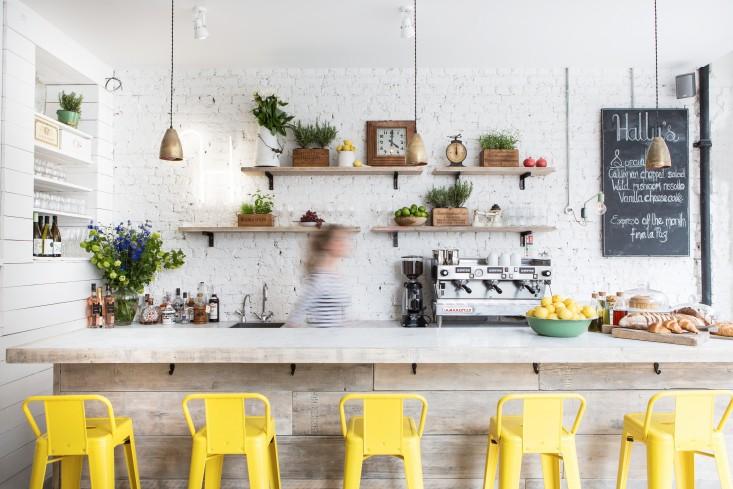 Archilaura home design pranzo shabby chic a londra for Design interior cafe vintage