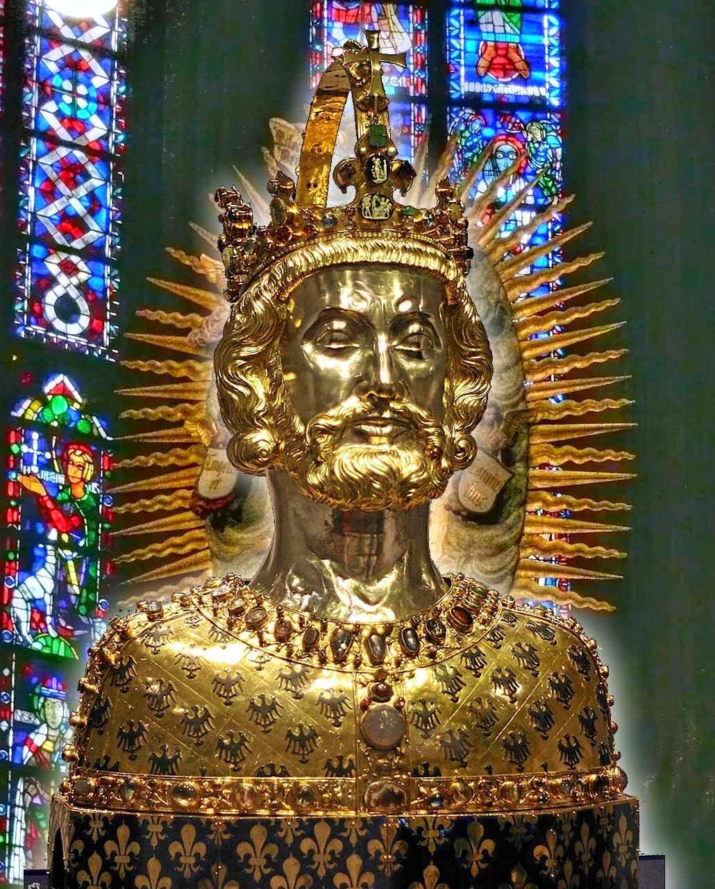 Busto-relicário de Carlos Magno na catedral de Aachen, Alemanha.