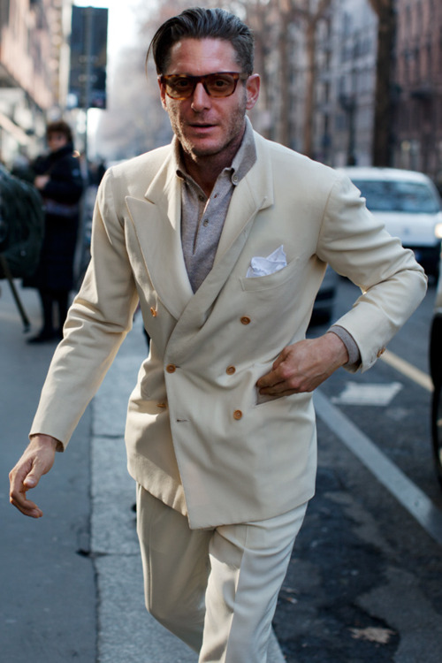 LiveSour: Lapo Elkann, Beige Double Breasted Jacket