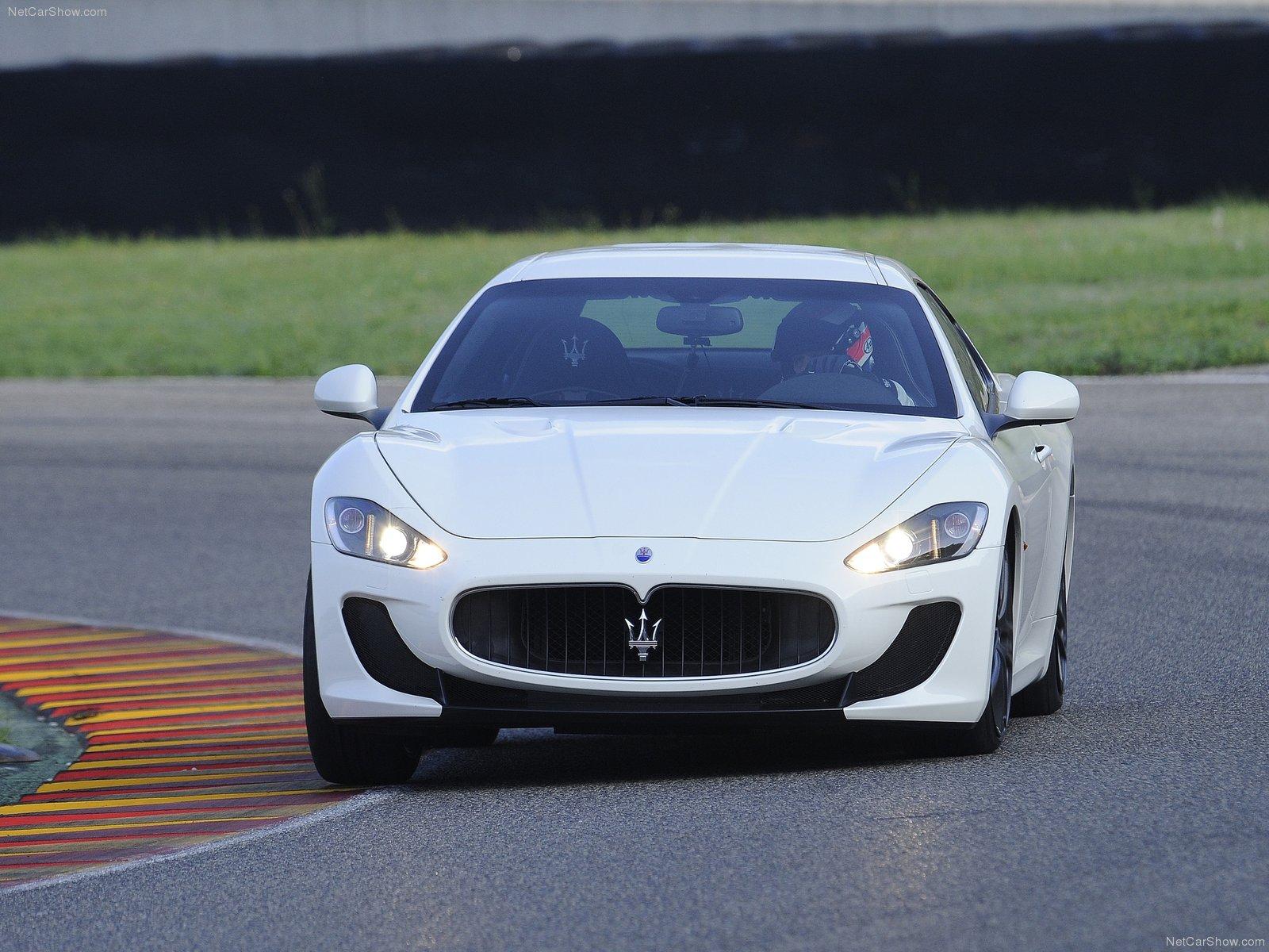 Hình ảnh siêu xe Maserati GranTurismo MC Stradale 2012 & nội ngoại thất