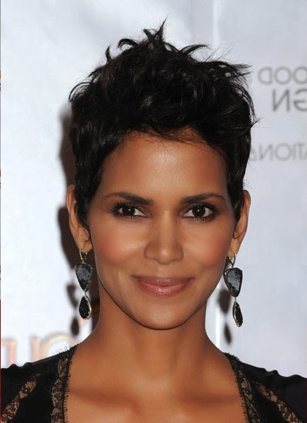 Halle Berry-2010 Globe Awards 1, close up