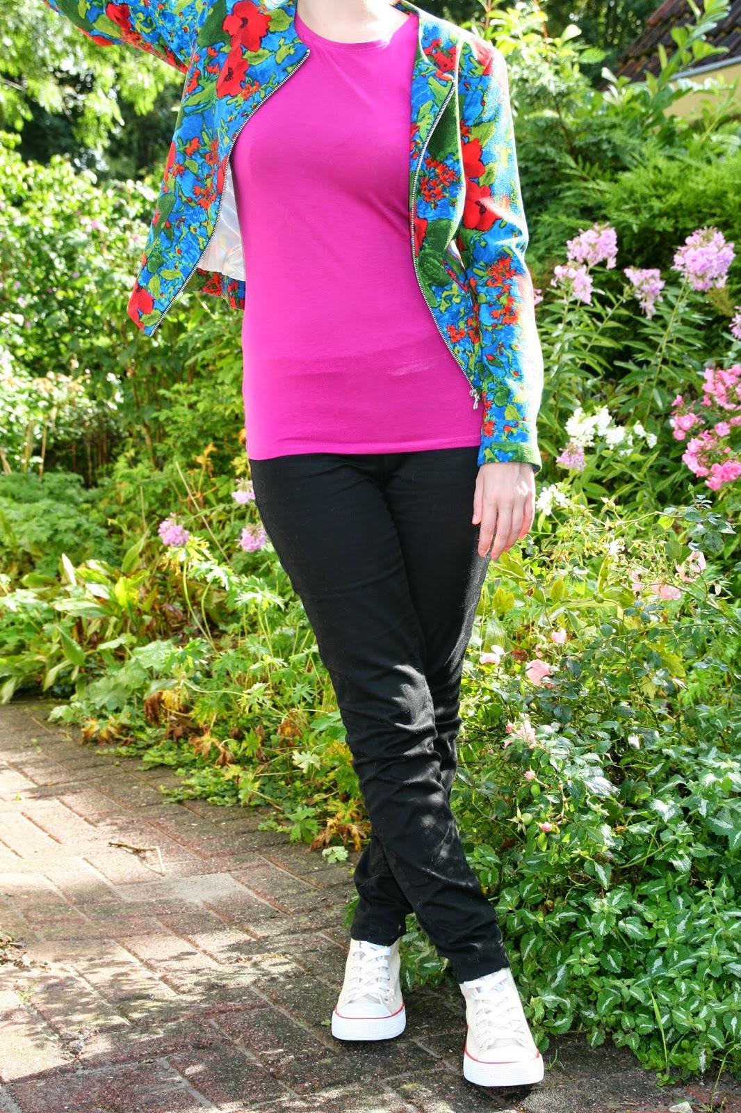 http://hmlovur.blogspot.nl/2014/08/outfits-of-week-week-34.html