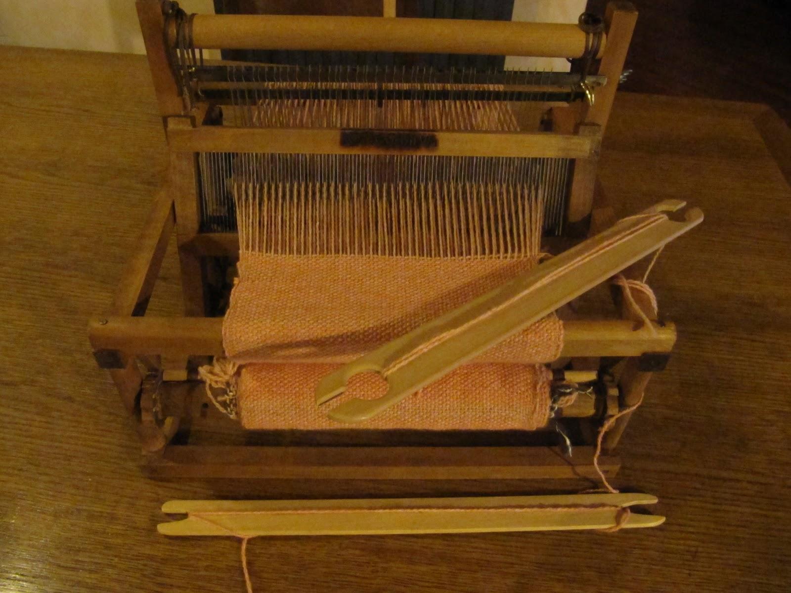 La pecora nera piove mannaggia quanto piove - Telaio da tavolo per tessitura a mano ...