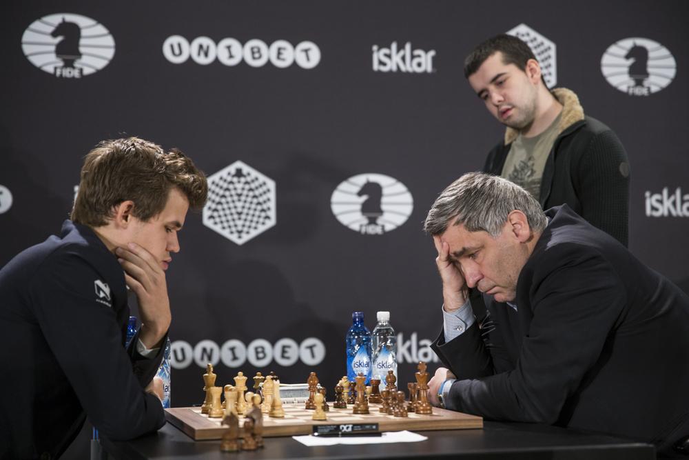 Une victoire capitale de Magnus Carlsen face à l'Ukrainien Vassily Ivanchuk lors de la 12e ronde - Photo © site officiel
