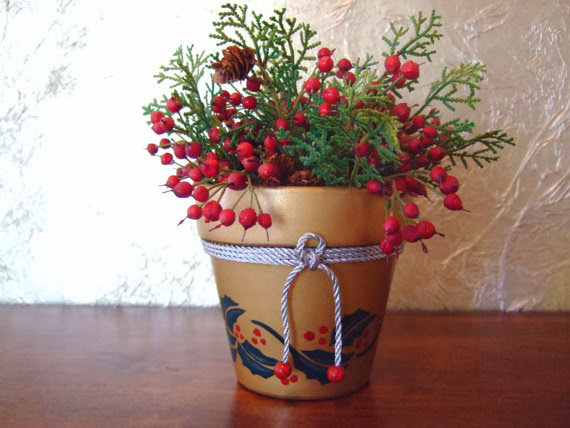 https://www.etsy.com/listing/108335037/christmas-centerpiece-country-holly
