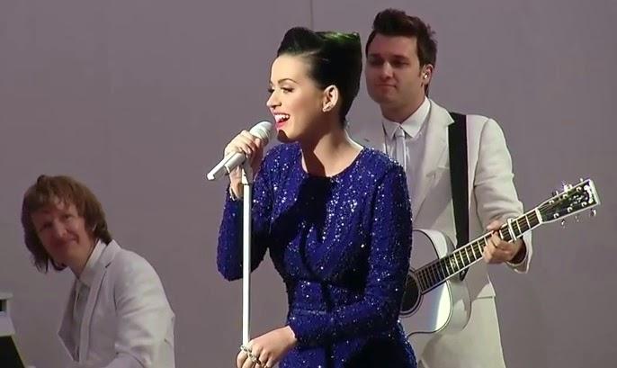 Katy Perry canta em evento na Casa Branca com a presença de Barak Obama