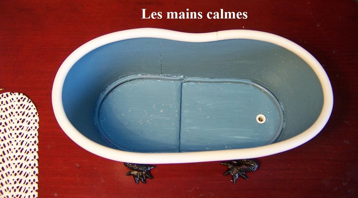 Les mains calmes l 39 heure du bain for Baignoire grande longueur
