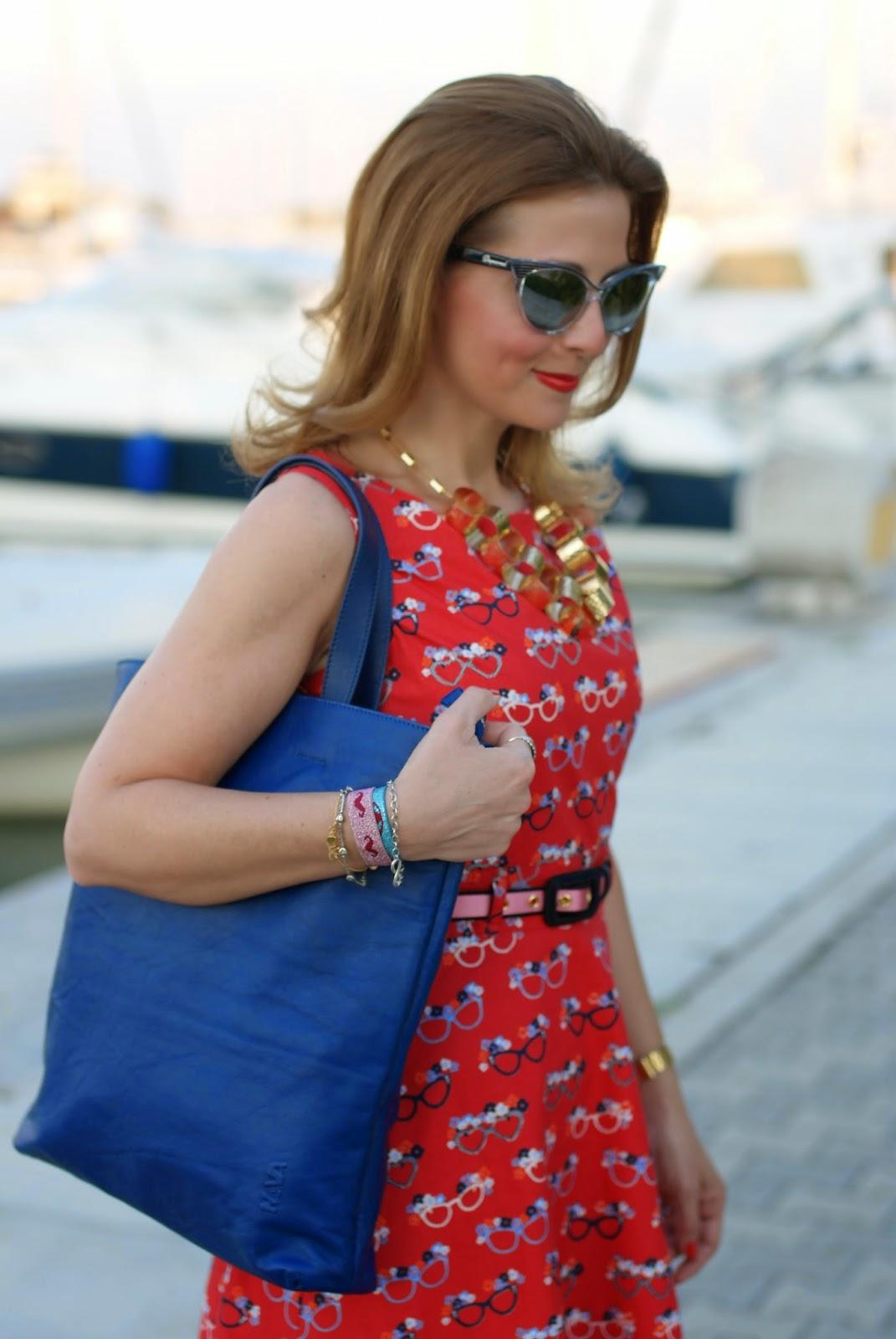 Vitti Ferria Contin collana dorata, nava design shopper bag, yumi glasses print dress, Fashion and Cookies, fashion blogger