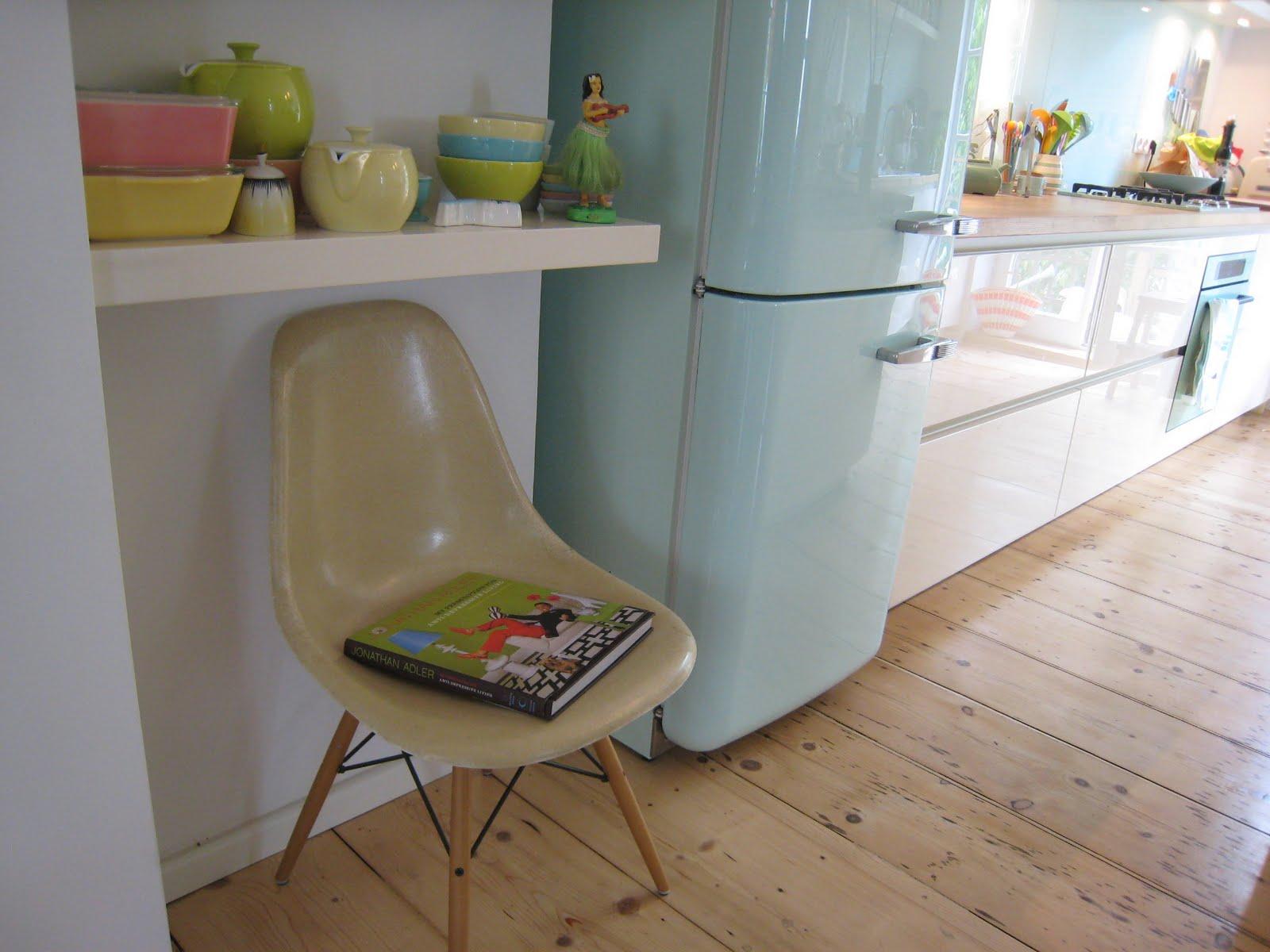Smeg Kühlschrank Mintgrün : Küche mintgrün beliebt kücheninsel mit essplatz küchen inspiration