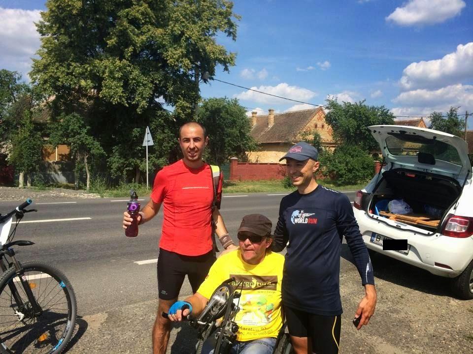 Cum am alergat 61 km alături de Vasile Stoica pe traseul Timişoara - Lugoj. Când visele devin realitate. Florin Chindea, Vasile Stoica şi Andrei Roşu