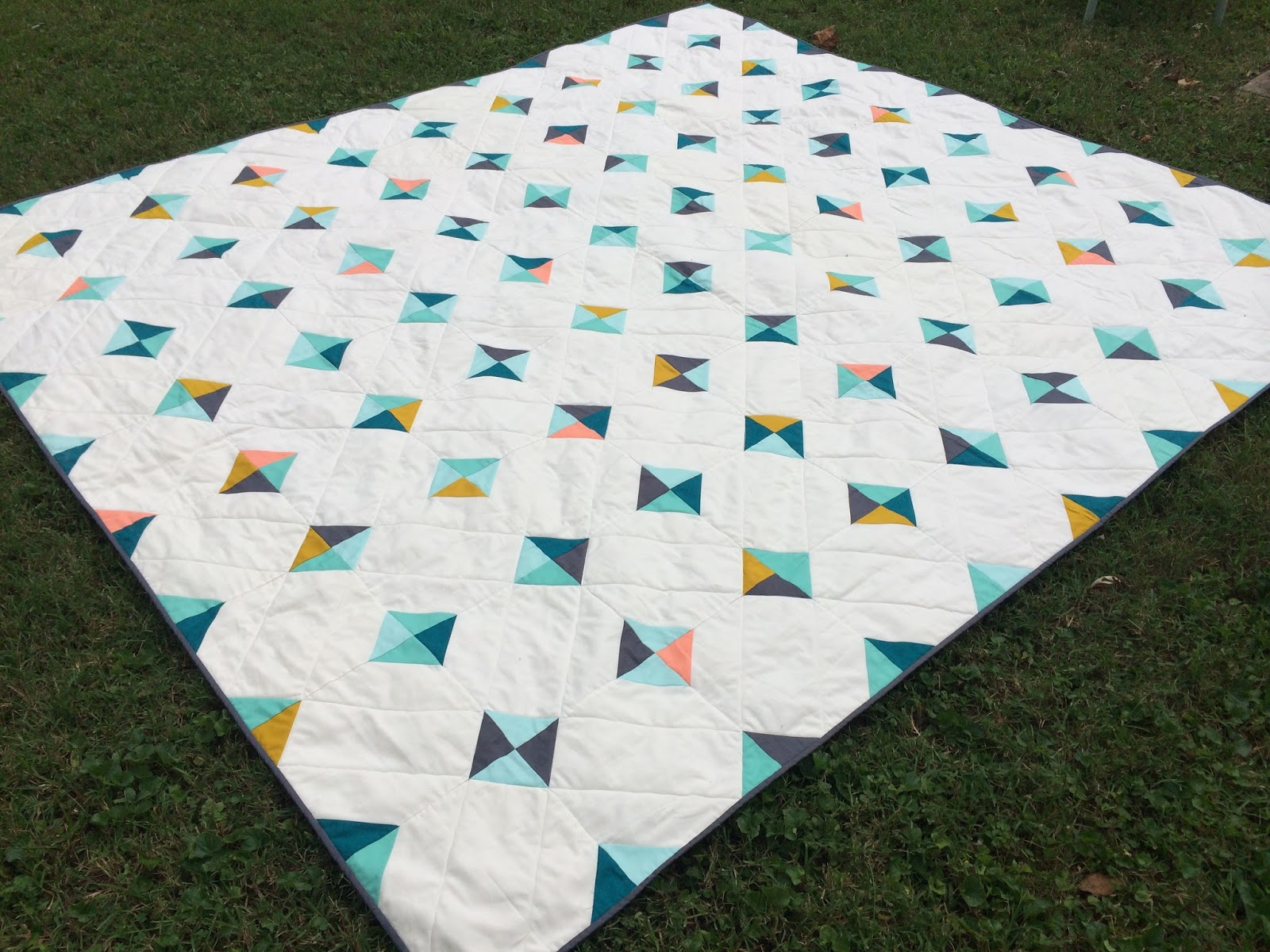 becalmedsewing: (Bigger) Tiny Tile Quilt for a wedding gift (a ... : tile quilt - Adamdwight.com