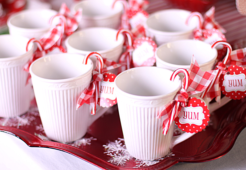 Amanda 39 s parties to go new candy christmas collection in for Chocolate christmas decorations