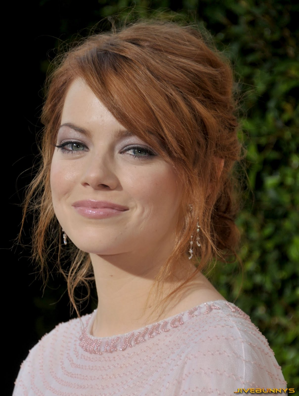 Emma Stone Sexy Photo and Image Gallery 2