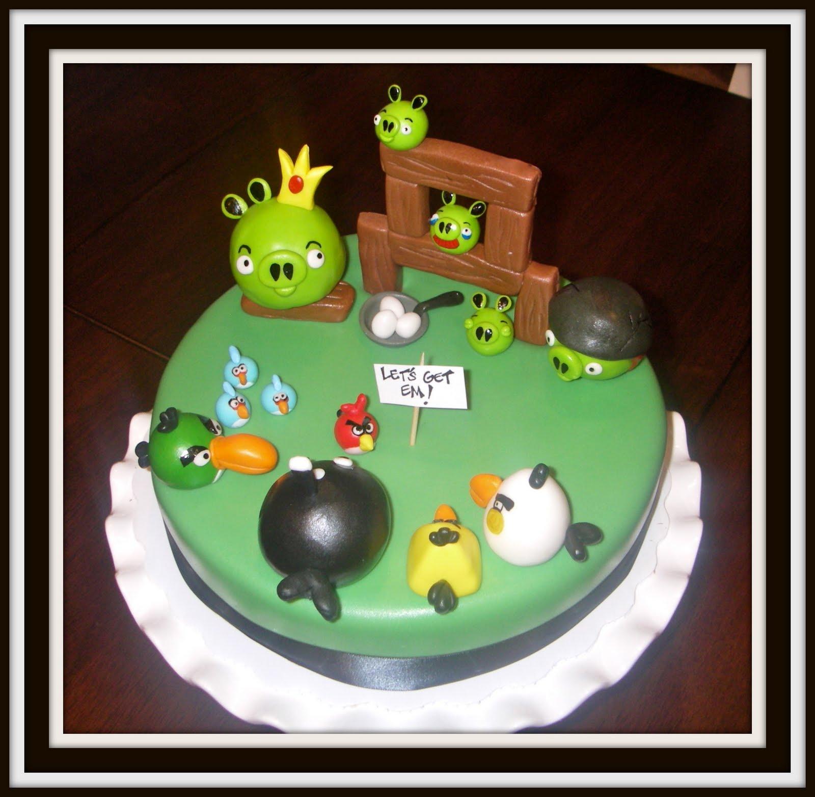 Keukenkraan Zwart : Angry Birds Cake