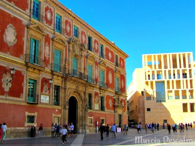 Palacio Episcopal de Murcia y edificio Moneo