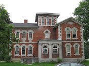 Stylish Italianate in Napanee