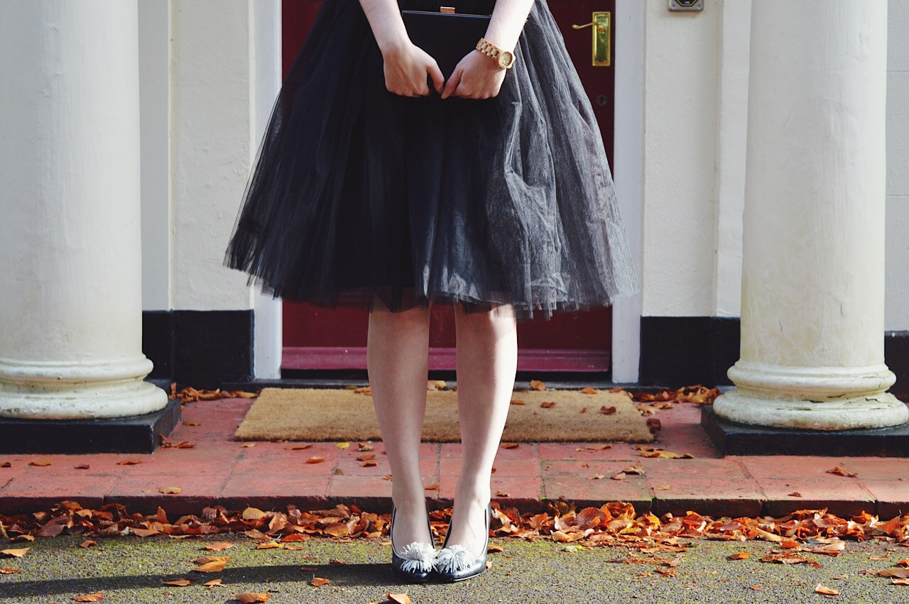 How to style a tulle skirt, fashion bloggers, FashionFake, Christmas Party outfits