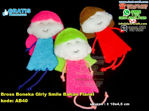Bross Boneka Girly Smile Bahan Flanel Flanel
