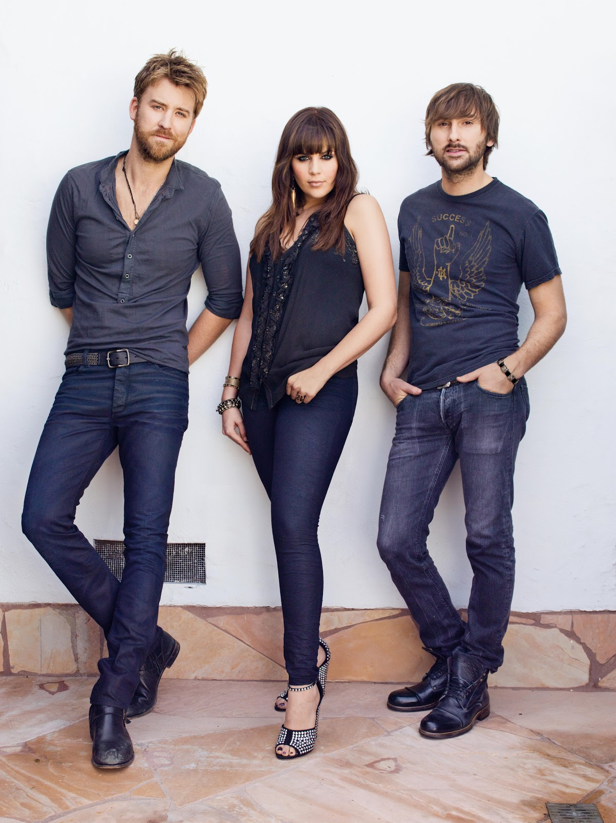 Lady Antebellum - Just A Girl 2014 - YouTube