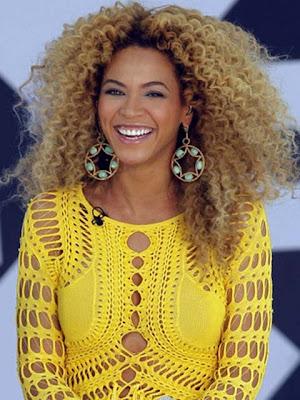 Beyonce Knowles Gold Chandelier Earrings