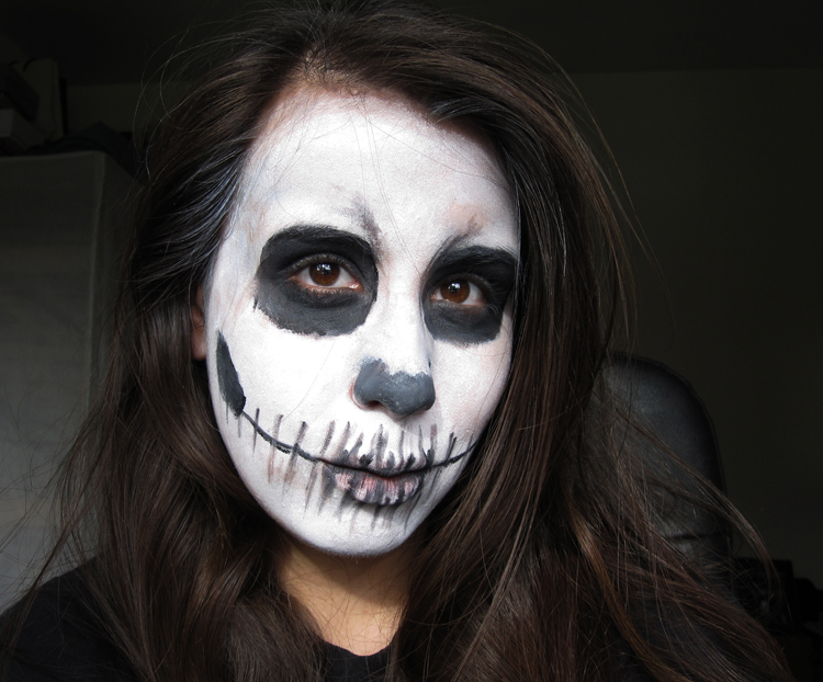 A picture of Quick & Easy Skull Face Halloween Make-up Look tutorial