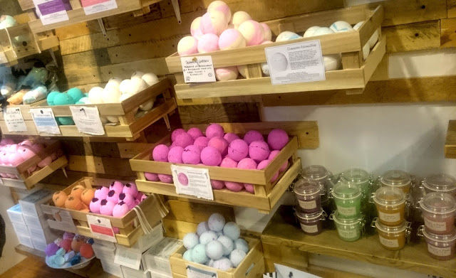 Miss Patisserie, cardiff, bath, relax, bliss, wash, clean, Lifestyle, life, pretty, relaxing, fresh, bath bomb, bath bombs, body scrub, scrub, bath time,