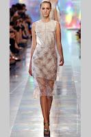 Елегантна прозрачна рокля Christopher Kane пролет-лято 2013