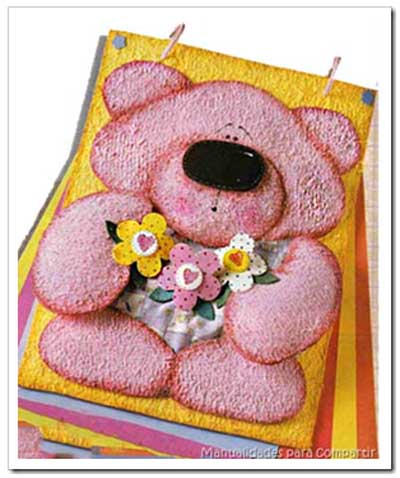 Manualidades para compartir: Osito de goma eva para decorar carpeta