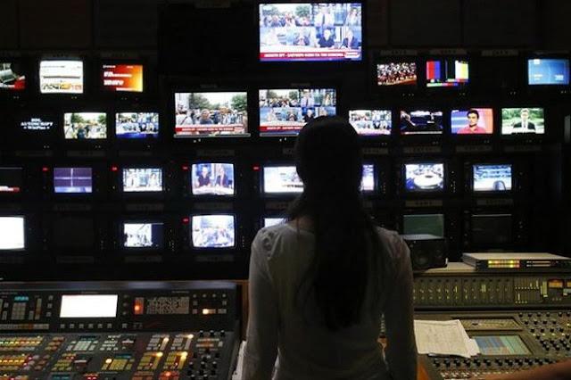 Προειδοποιητικές βολές στα media