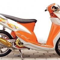 Yamaha Mio '07 : Putih Kapas Orenz Jeruk