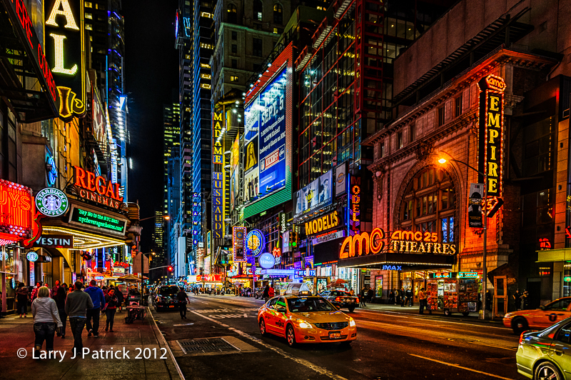 descriptive essay on city street at night Home writers' house essays new york city descriptive writing the winding paths of the park lead back to the electricity of the city beyond at night.