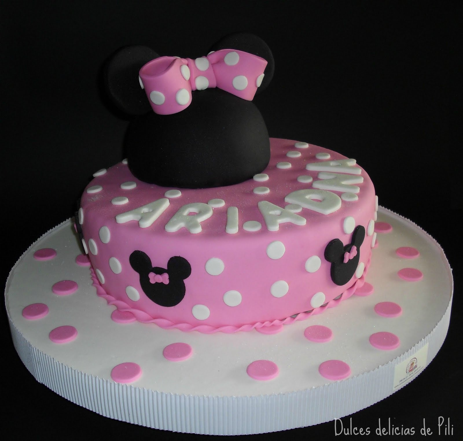 torta de minnie mouse el bizcocho es de vainilla y esta relleno de ...